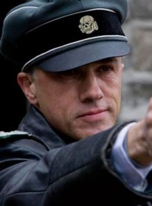 """Christoph Waltz sebagai Col Hans Landa dalam """"Inglourious Basterds"""" (2009)"""
